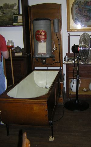 1902 Mosely Folding Bathtub